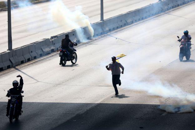 106758699 epa miguelgutierrez - CRISE NA VENEZUELA: os riscos para o Brasil da escalada dos conflitos