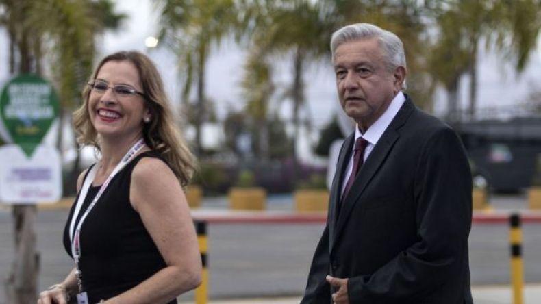 Beatriz Gutierrez y AMLO.
