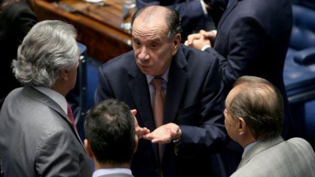 Senador Aloysio Nunes durante sessão no Senado em junho de 2016
