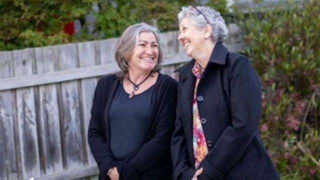 Sandi (à gauche) et Jennifer (à droite)