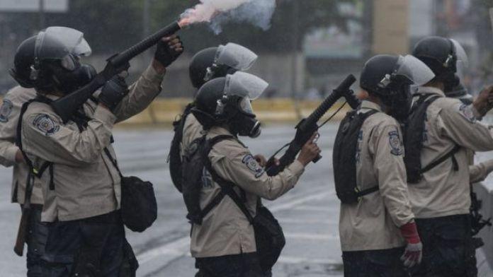 Policía antidisturbios.