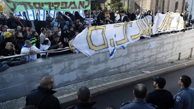 Israelis protest soldier's arrest
