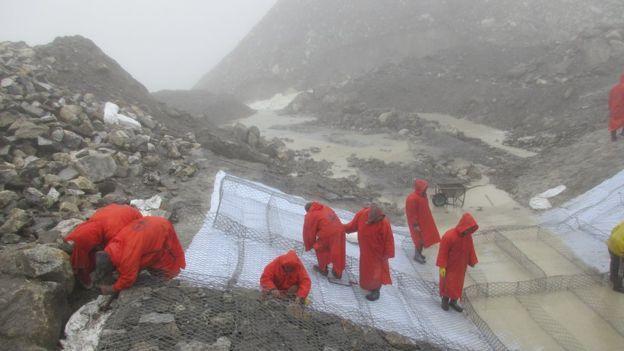 El trabajo de contención en Nepal fue realizado en condiciones extremas.