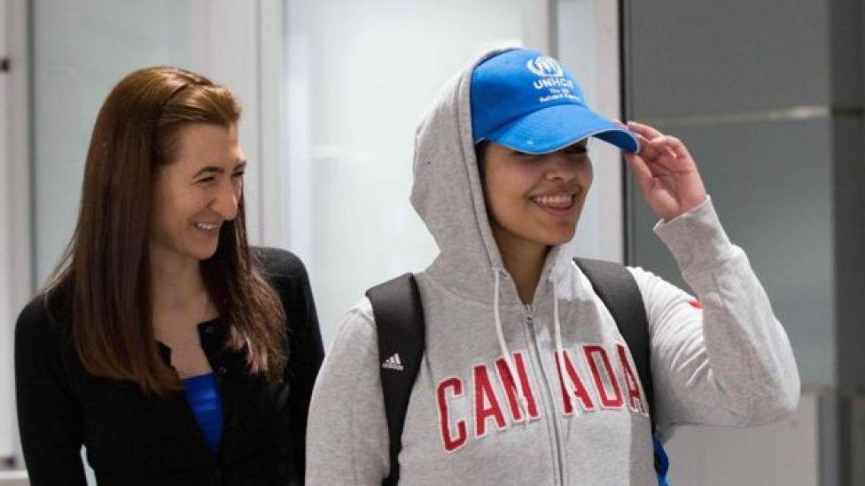 Rahaf Mohammed Al-Qunun a su llegada al aeropuerto de Toronto, 12 de enero de 2019