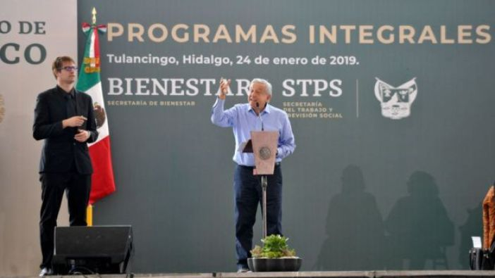 Andrés Manuel López Obrador lanza su proyecto de bienestar social, enero de 2019
