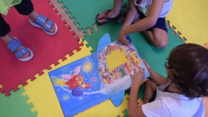 Crianças no Cantinho do Brincar