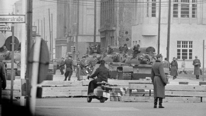 Tanques soviéticos nas ruas de Berlim