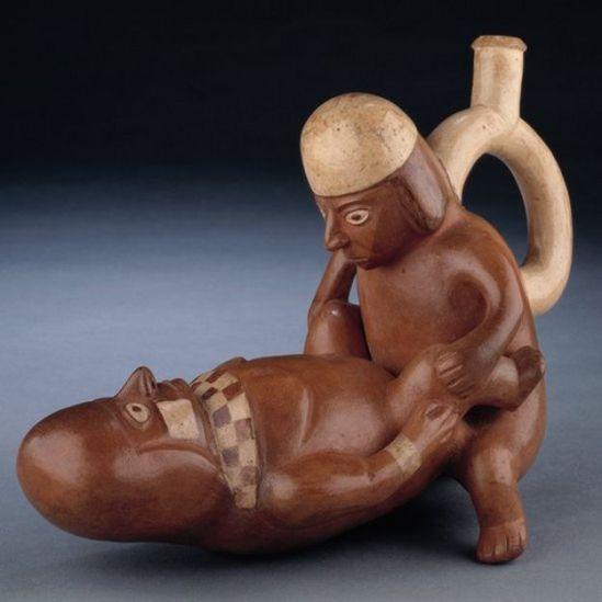 Vasijas de la cultura moche.