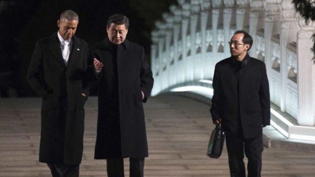 Tổng thống Obama (trái) bị phê là quá 'cẩn trọng' trước Trung Quốc