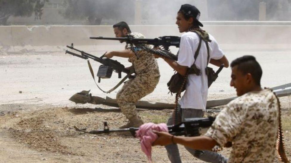 Los combatientes leales al gobierno respaldado por la ONU