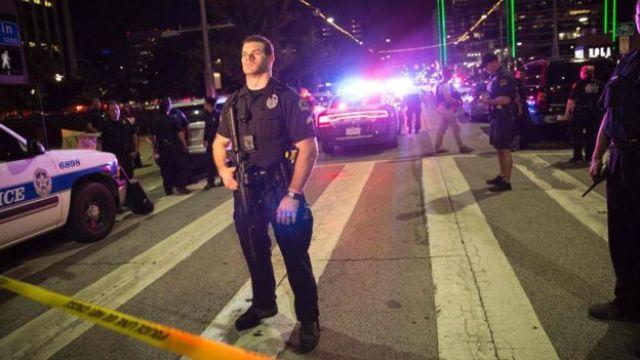 Custodia policial en Dallas.