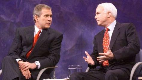 2000年大統領選の共和党予備選では、党全体の後ろ盾を得たブッシュ候補を前に撤退を余儀なくされた