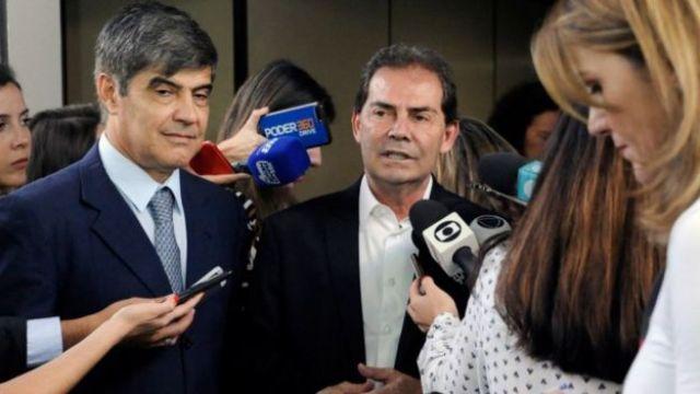 Deputados falam com jornalistas