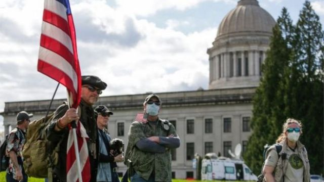 Protestors in Washington hold rally against order to stay at home (19/04/20)