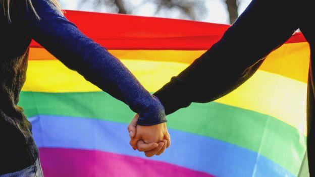 Asociaciones de psicología, psiquiatría, universidades y organismos oficiales aceptan que los géneros no son solo el masculino y el femenino.