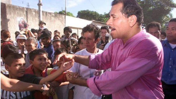 Ortega en la campaña electoral de 2001.