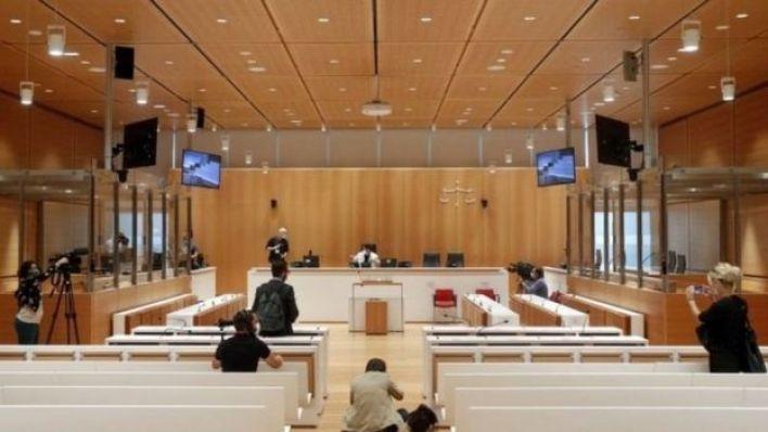 قاعة المحكمة في فرنسا.