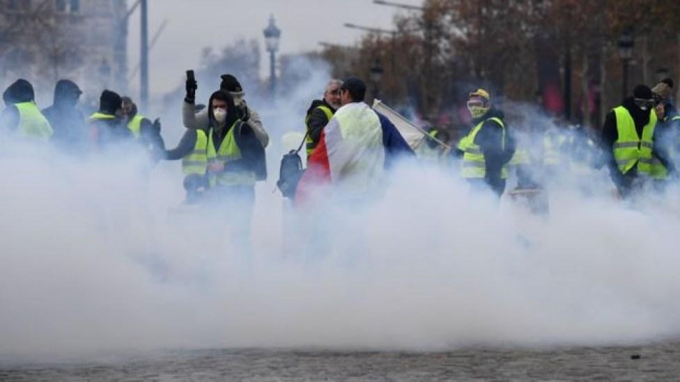 104577103 mediaitem104577102 - Mais de 200 pessoas são presas em confronto com a Polícia no 3º fim de semana de protestos em Paris