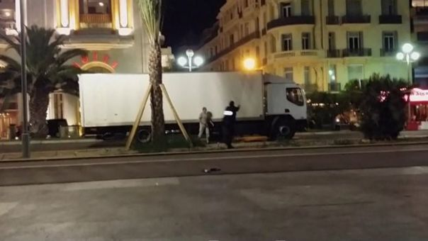 Nader el Shafei grabó con su celular cómo el conductor empezaba a disparar a la policía.