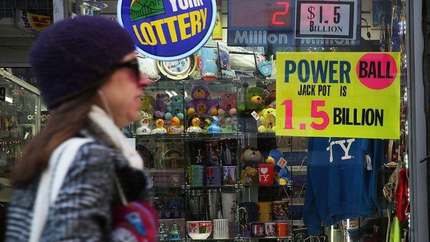 La lotería Powerball, cuyo premio alcanzó US$1.500 millones, fue lo más buscado en Estados Unidos.