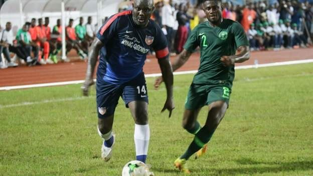 George Weah, président du Liberia au cours du match contre le Nigéria