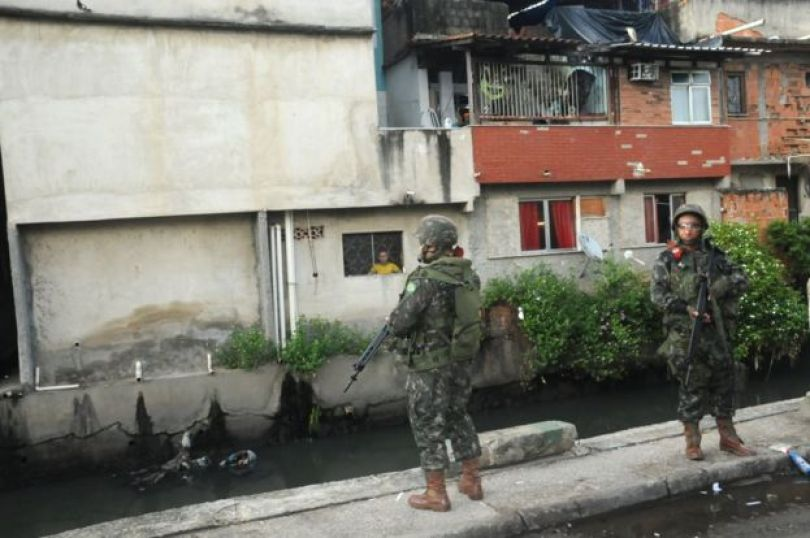 Exército na favela