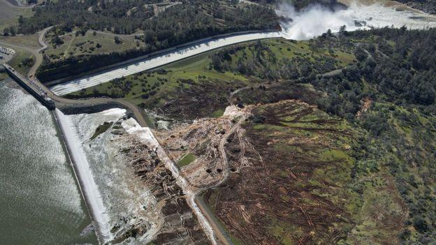 Las autoridades ordenaron la evacuación de más de 180.000 personas.