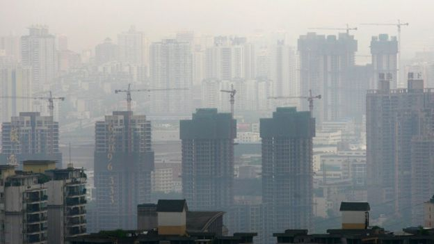 Prédios em construção na China