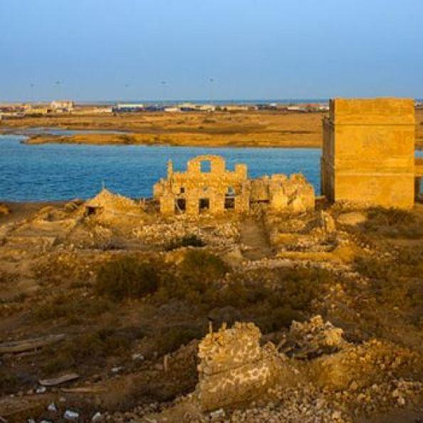 Sevakin Adası'nda Osmanlı döneminden kalma zarar görmüş yapılar