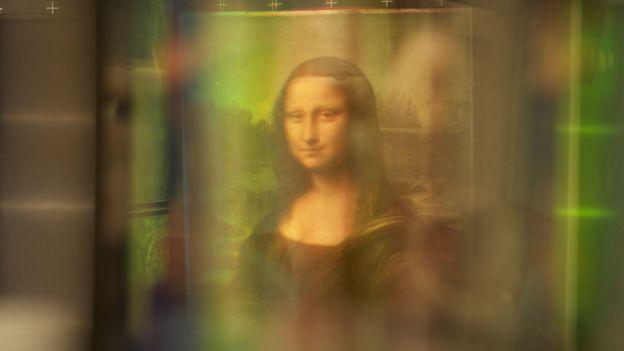 Mona Lisa bajo la tecnología de luz