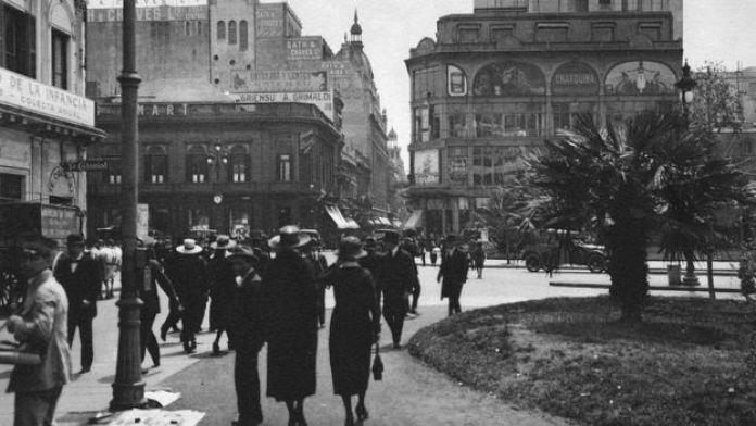 Imagem de uma rua de Buenos Aires, no início do século XX