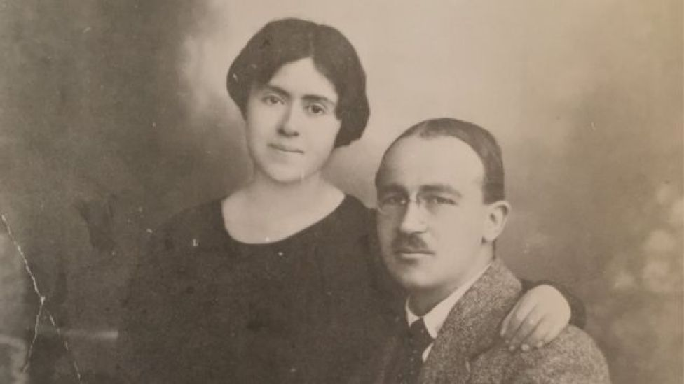 Sabiha ve Zekeriya Sertel'in yeni evlendiği yıllarda çekilmiş bir fotoğraf