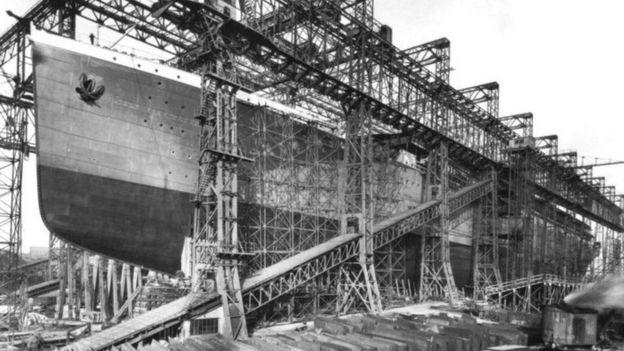 Cuando el Titanic se hundió el Britannic estaba en construcción en los astilleros de Belfast, Irlanda.