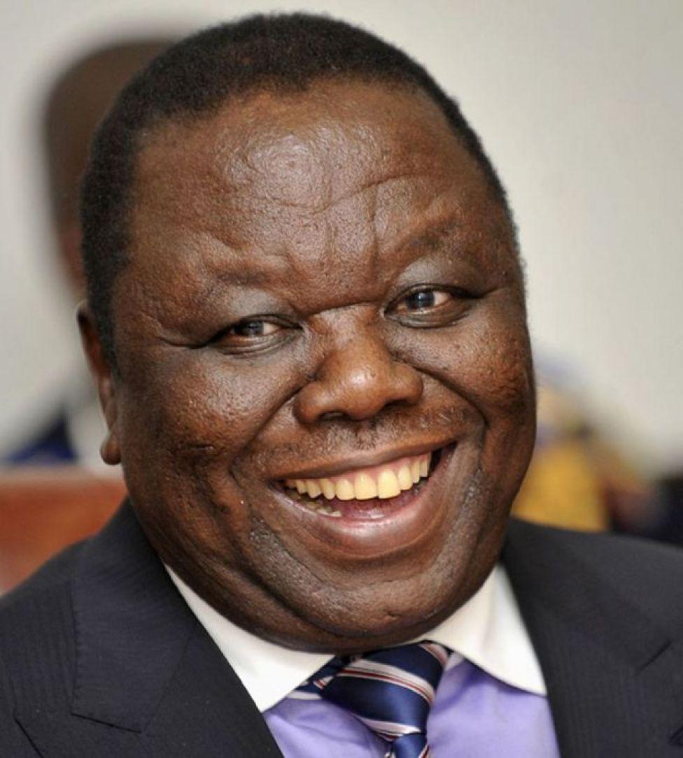Morgan Tsvangirai wuxuu loollan siyaasadeed galiyay Robert Mugabe