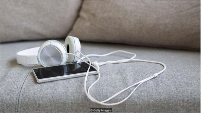 Telefone com fone de ouvido