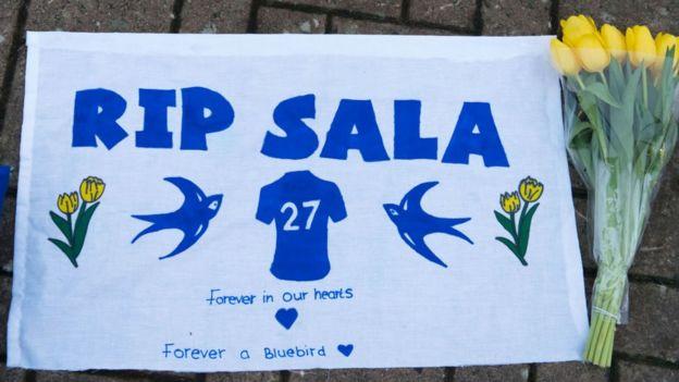 """""""Descansa en Paz Sala"""", un recuerdo de uno de sus fans."""