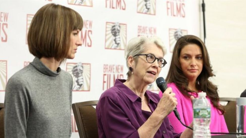 Rachel Crook, Jessica Leeds, y Samantha Holvey