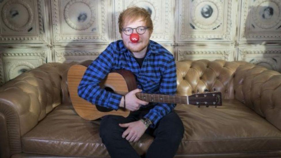 Ed Sheeran, con una nariz roja de payaso. (Foto: Comic Relief)