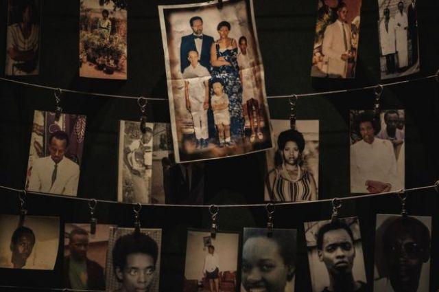 Photographies des victimes au mémorial du génocide de Kigali