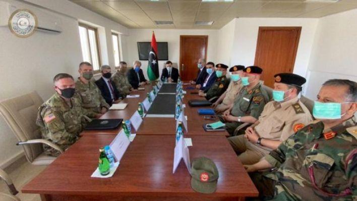 السراج في لقاء مع السفير الأمريكي في ليبيا وقادة عسكريين أمريكيين