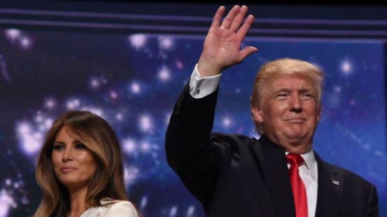 Melania Trump y Donald Trump en campaña