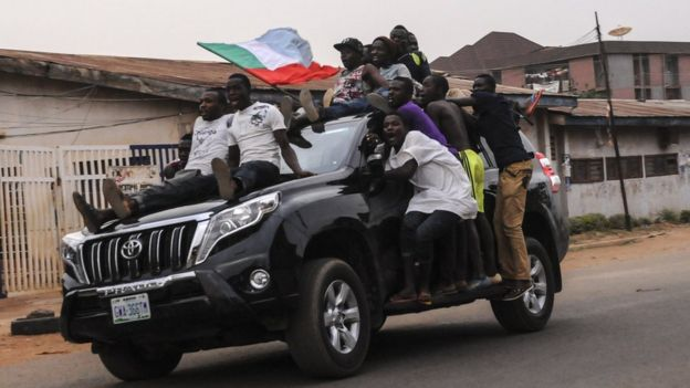 supporters celebrate buhari victory in jos