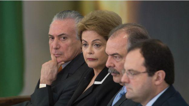 Michel Temer ao lado de Dilma e ministros do seu governo