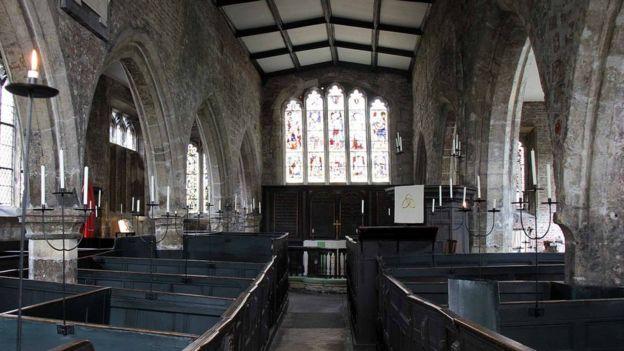 Interior de la iglesia Holy Trinity en York.