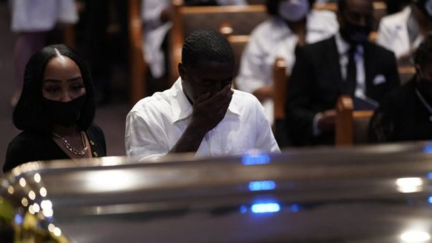 Mourners at George Floyd's coffin in Houston, 9 June
