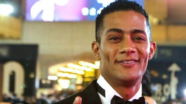 حفل غنائي للممثل محمد رمضان يثير جدلا في مصر Bbc News Arabic