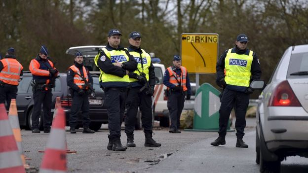 Belgian-French police check on border, 14 Nov 15