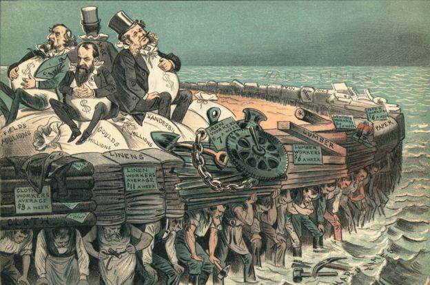 """Caricatura que muestra a """"barones ladrones"""" como Cornelius Vanderbilt (der.) y Jay Gould, a su lado, flotando con su dinero encima de un """"barco"""" hecho de trabajadores que los sostienen"""