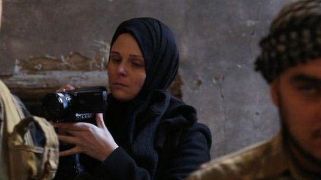 Florida əsilli jurnalist Facebookda İstanbulda yaşayan kimi qeyd olunur