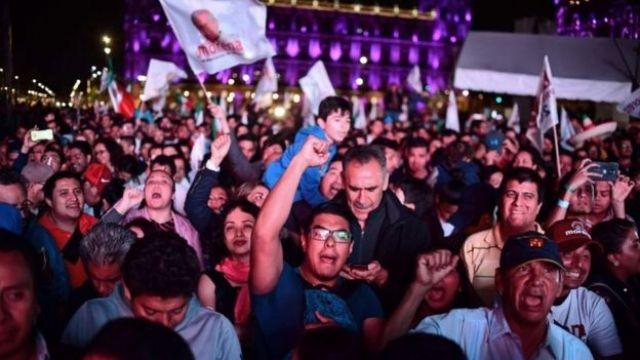 Simpatizantes de López Obrador se reunieron en el Zócalo